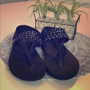 Skechers yoga foam sandals size 10